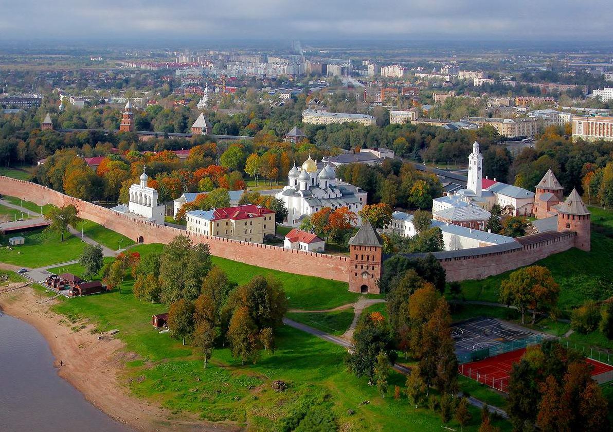 ISS помогает обеспечить безопасность пешеходов в Великом Новгороде