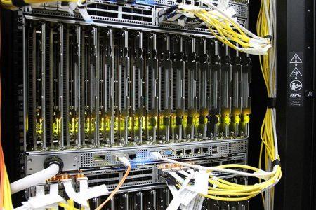 Сотрудники лаборатории вычислительных систем и прикладных технологий программирования НИВЦ МГУ ищут лекарство от коронавирусана при помощи суперкомпьютера «Ломоносов»